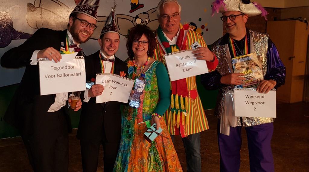 carnavalquiz-verkiezing-quiz-bedrijfsuitje-teamuitje-wwwbedrijfsuitjequiznl-Aangepast