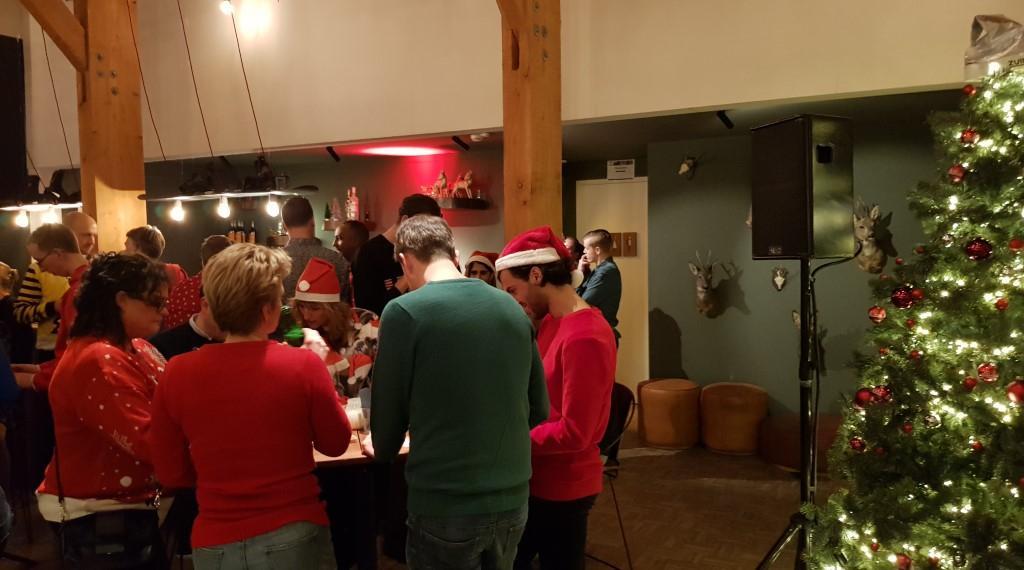 kerst-personeelsfeest-kerstquiz-teambuilding-bedrijfsuitje-eigen-locatie-wwwbedrijfsuitjequiznl-Aangepast