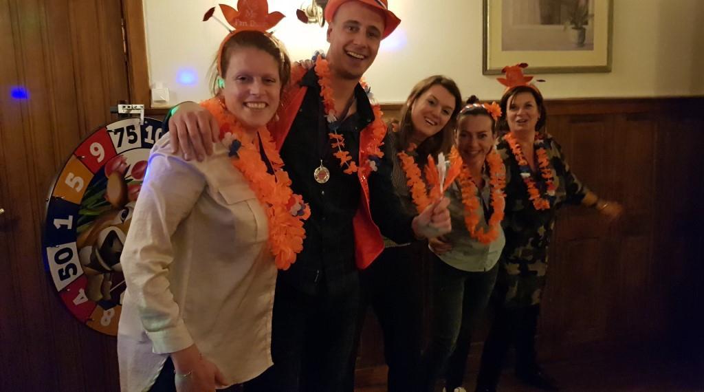 hou-van-holland-feest-quiz-uitje-bedrijfsuitje-teambuilding-wwwbedrijfsuitjequiznl-Aangepast
